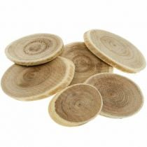 Decoratieve houten plakjes en schors