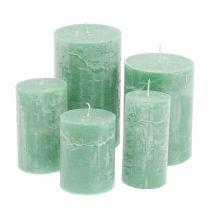 Gekleurde kaarsen lichtgroen verschillende maten