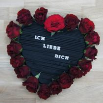 Hart plug-in foam zwart 33cm 2st huwelijksdecoratie