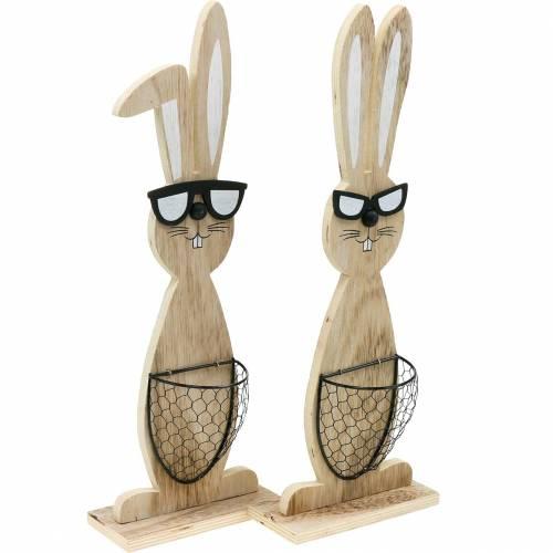 Houten konijntjes met zonnebril en mand natuur, paasdecoratie, konijnenfiguur met plantenmand, lentedecoratie 2st